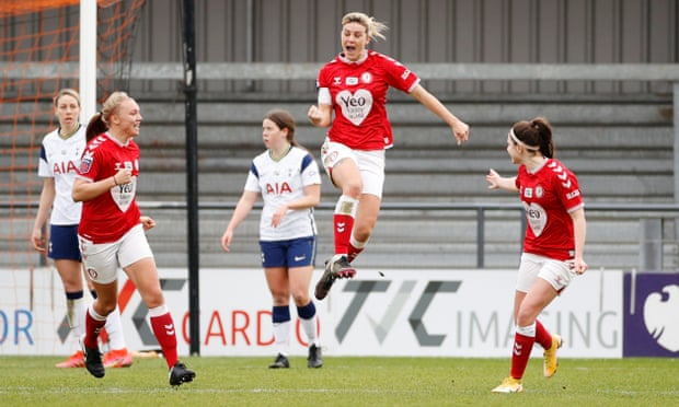 Gemma Evans lifts Bristol City off WSL basement with equaliser against Spurs